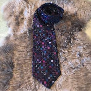 Geoffrey Beene 100% Silk Abstract Tie